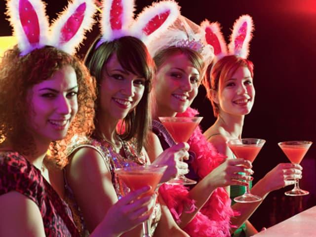 world-crawl-bachelorette-parties-2